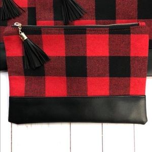 ✨New✨Buffalo Plaid Cosmetic Bag!